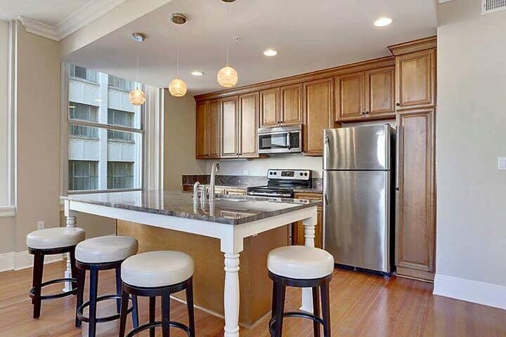 - Kitchen Cabinets -D1 New York Glaze jacksonville solid wood cabinets D 813 Avigna Granite World