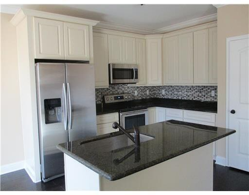 - Kitchen Cabinets -G2 Ivory White jacksonville solid wood cabinets G 828 Avigna Granite World